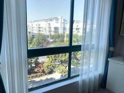 阳光绿水 全新精装修 42平米 报价34万 好楼层