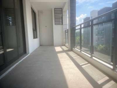 惠仁新苑 多层 产证面积142平米 4房2厅2卫 纯毛坯 报价157万 送车位
