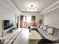 独家房源,栢景雅居紫薇轩电梯中间楼层的三房出售,精装修 可直接拎包入住,户型反正