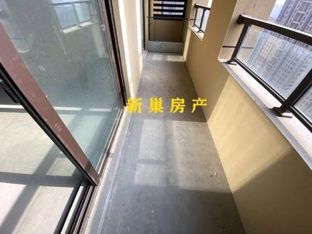 绿地高楼层,2 1户型,大开间朝南,赠送面积多,报价包含一个车位