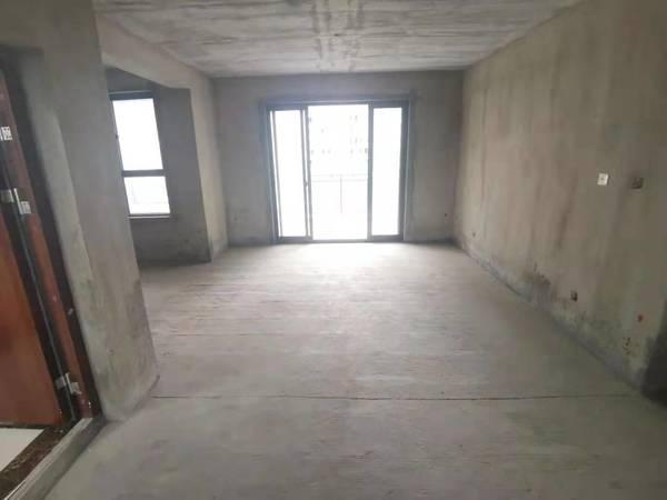 惠仁心苑多层电梯洋房黄金楼层,小区内部楼栋朝南正对中央景观带,四开间朝南,带车位