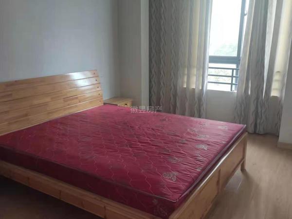 玉屏府 大二房 双阳台 拎包入住 家具家电齐全 1300每个月