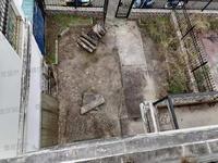 市中心独栋别墅出售 带车位 前后院子150平 赠送面积超多 看房有钥匙