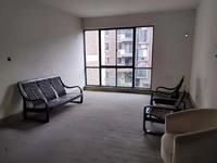 江南新城东区多层3楼三室两厅简单装璜房屋出租