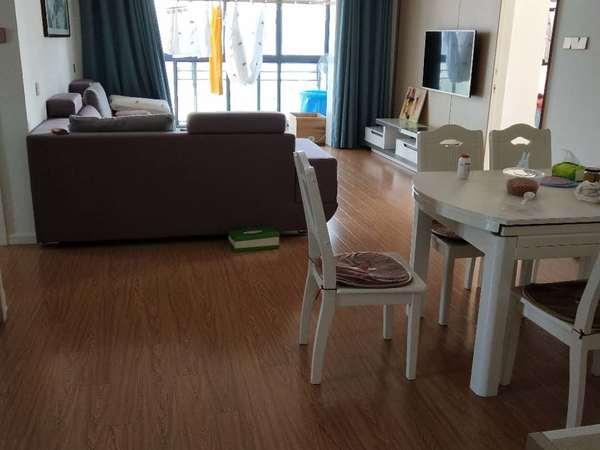 永辉超市附近和谐家园全新装修大两房,楼层好,视野开阔,业主包增值税诚心出售