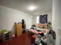 阜安新村多层好楼层,中等装修小两房,户型南北通透厨房面积大,赠送一个20平米柴间