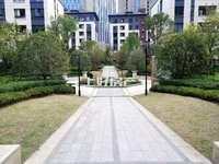 城东片区 栢悦华庭1-2叠屋 南北通透赠送前后庭院 大平台有钥匙 ,随时看房