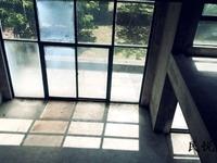 香山翠谷 满两年,挑高客厅,送院子,露台200多平 独栋别墅