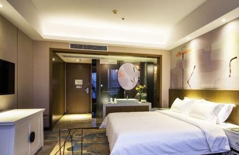 出租;天盈财富广场边上酒店式公寓,三个月起租,,拎包入住!!!