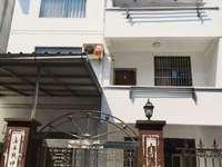 惠东花园 独栋别墅 5室3厅3卫 中等装修 家具家电齐全 1600元/月