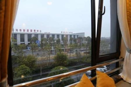 栢景雅居翠竹轩精装修公寓,家具家电配置齐全,市场租金1300,投资价值高。