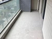 城东高档小区 电梯房 满五唯一 128平米 仅售136万