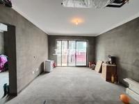 栢悦南山高品质小区,4房2卫满两年带车位,仅售175万,电梯好楼层,看房方便