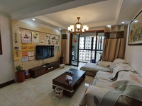 非顶 铂金观景楼层、精装修 大三房 户型南北通透 户型佳 房东诚心出售