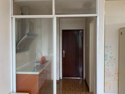 六小三中学区房 小区最便宜一套 真正的拎包即住 房东换大房子急售 看房有钥匙