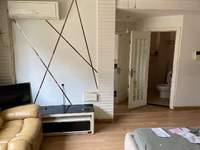 御泉湾一期电梯公寓租金:1200.0元/月 优点:有钥匙,精装修,拎包入住