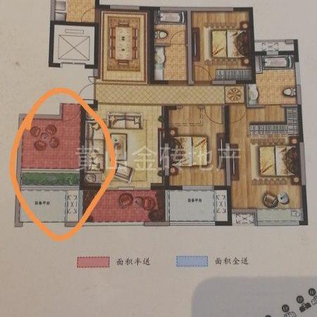 阳湖最 好小区 电梯中上楼层精装修南北通透大三房 看法方便 满二