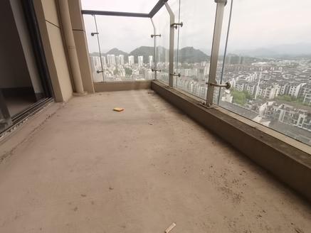 189万购江南新城电梯大四房 户型方正采光好一线江景 可任意装修 两房朝南满两年