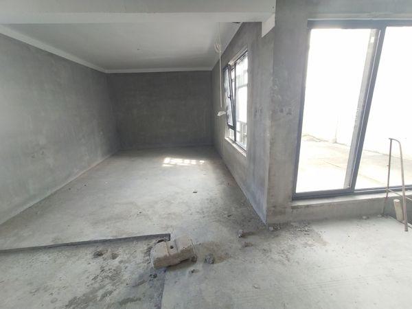 栢悦南山,观景电梯复式,六中学区,五室三卫楼上正常平层,赠送大露台
