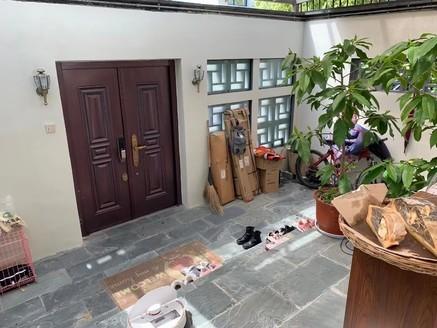 玉屏府西边套精装修联排别墅 有院子 70年产权 六中百鸟厅双学 区房