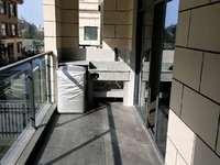 江南新城精装三房 家电齐全 拎包即住 六中百鸟亭就在旁边 陪读工作两不误