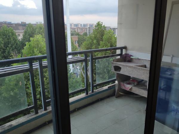 江南新城二室两厅一厨一卫精装璜房屋出租