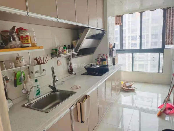 黎阳片区精装修三房 电梯黄金楼层 看房方便 房东置换诚意出售