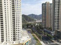 城东高品质住宅小区!环境好楼层佳!经典小3房!房东置换诚心出售!
