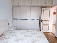 东方丽景 电梯房 精装修3居室2卫 家具家电齐全 看房方便 拎包入住