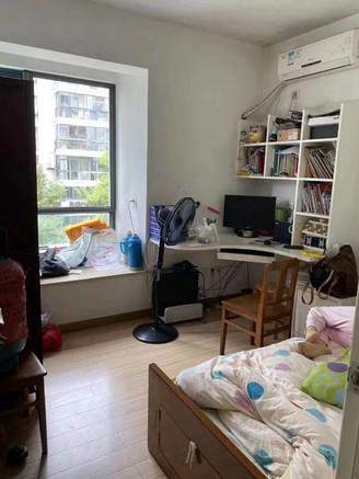 江南新城北区红枫苑,三室二厅一卫,黄金楼层双阳台,满五唯一,拎包入住