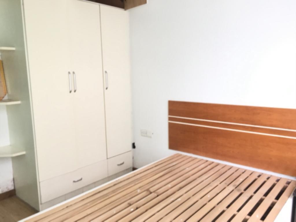 出租;玉屏府精装修两房,电梯好楼层,新装修,家具家电齐全,随时看房年付优惠力度大