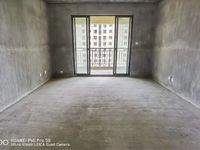 御泉湾四期纯毛坯大平层四房 小区中心位置 电梯好楼层 六中学 区房