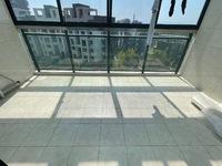 玉屏齐云府 南北通透大三房实用面积115平 阳光无遮挡超大阳台 精装修满二年