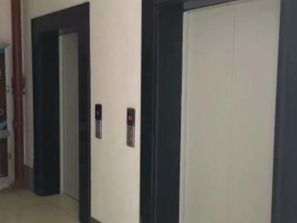 新潭苑超性价比房源,三室两厅两卫,户型通透方正,已满两年。