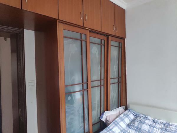 江南新城二室二厅一厨一卫精装潢有大露台房屋出租