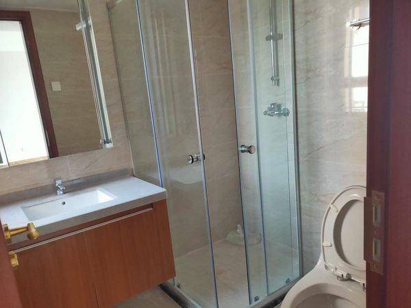 品牌开发商恒大出品,电梯黄金楼层视野开阔,精装小三室功能性强!