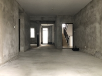 急售 依云红郡 多层3楼 纯毛坯89平小三房 南北通透户型 只要94万看中可谈