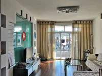 出租滨江华庭3室2厅1卫114平米2000元/月住宅