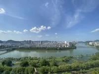 出售江南新城空中别墅一线江景6室3厅3卫273平米288万住宅