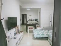 绿地滨江精装修3室2厅 房子保养很好 户型通透