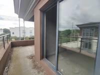 出售翡翠华庭5室2厅3卫192平米152万住宅