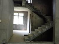 出售永佳香山翠谷联排6室2厅3卫225平米160万住宅