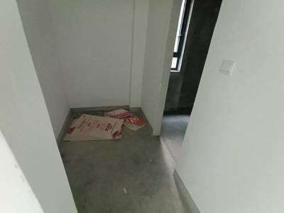 栢景雅居3室2厅2卫134平米185万 总价带80平 储物间