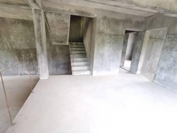 博林山庄 屯溪纯别墅群双拼东边套 带超大院子 可以改造