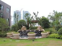 绿地滨江壹号 好楼层 94平米 大两房 送产权车位 仅售120万