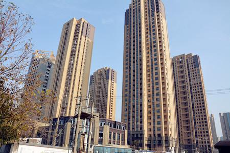 102万购绿地滨江壹号2加1户型 可改三房 赠送面积多 套内面积约90平 有钥匙